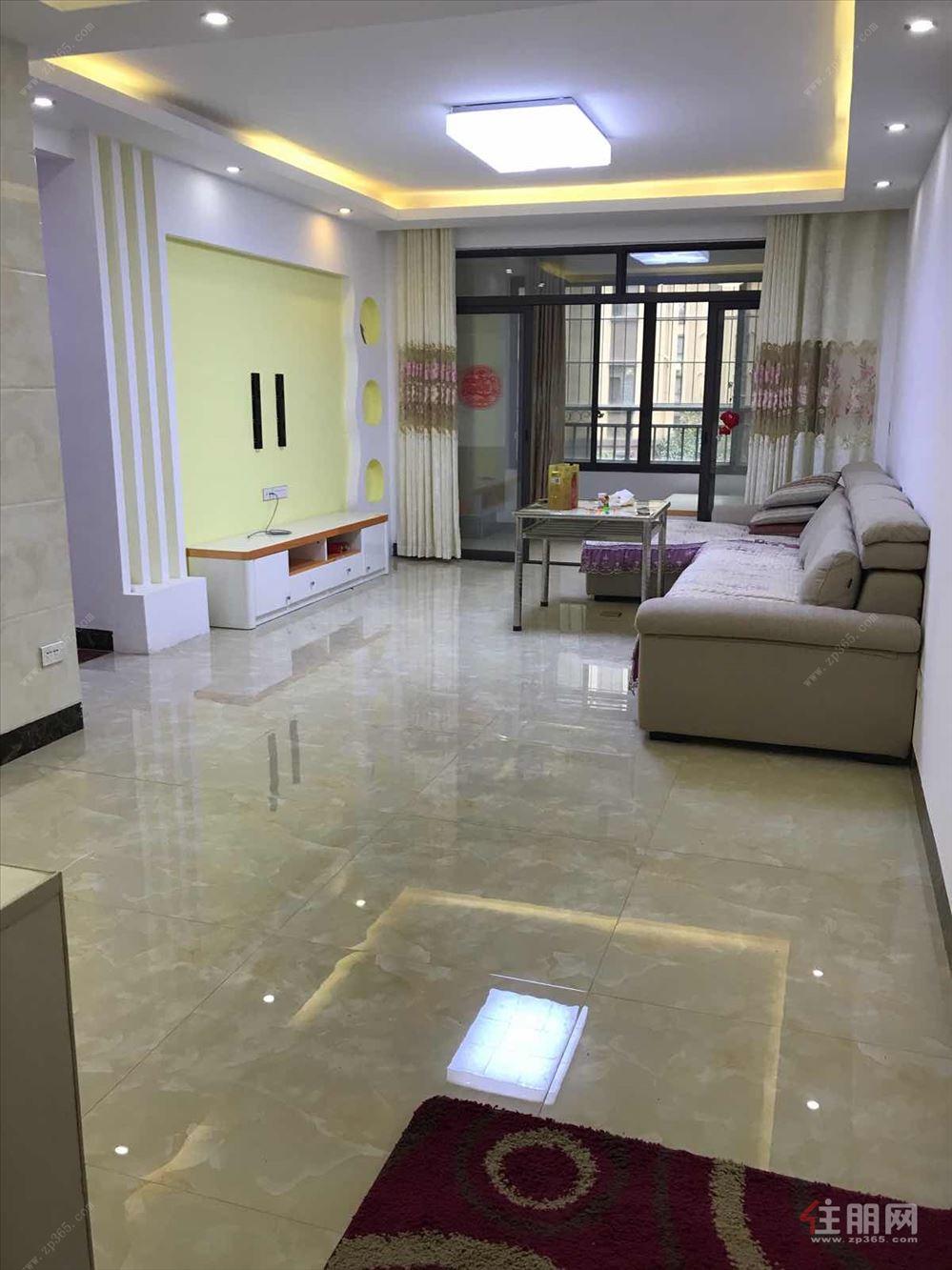 诚心出售:联发乾景 86万 3室2厅2卫 精装修,带杂物间