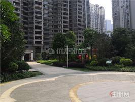 五象总部基地 地铁口 江景房 朝南  超大阳台 证 件齐全