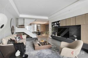 五象新区地铁口一线江景,龙光大品牌,复式公寓楼购一层用两层,买到赚到