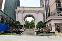 贵港首个真正集商业、办公、居住、休闲、生态景观于一体的大型城市综合门户社区