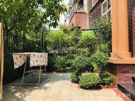 东盟商务区大自然花园 豪装带花园一二楼带车位