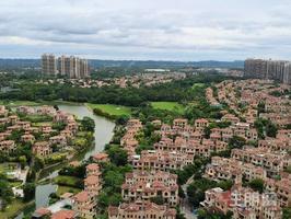 嘉和城89平产权3房2卫,高楼层阳台朝正南,看湖看别墅,视野开阔无遮挡,只要75万