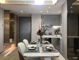 五象新区龙光玖誉湖均价12500元/平方米在售户型2房至4房