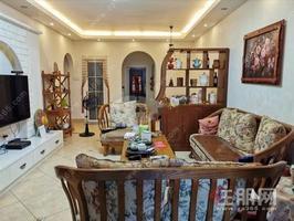 急售,低于市场价30万,龙光玖珑湖旁(万科金域蓝湾)近地铁,90平,3房,精装,单价1.6万,送车位