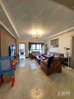 台湾街,三房两厅,邕江旁!首付9万买江景房保养很好家私全送!