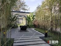 江南70产权年别墅,180万起一套,共4层带院子花园,使用面积300平
