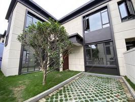 湖景独栋别墅,超350平超大院子赠送,15年教育,双铁加持市