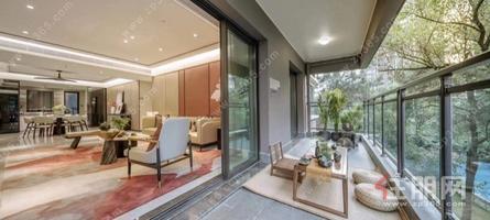 青秀高端住宅 实用面积308平 大花园入户270°观景