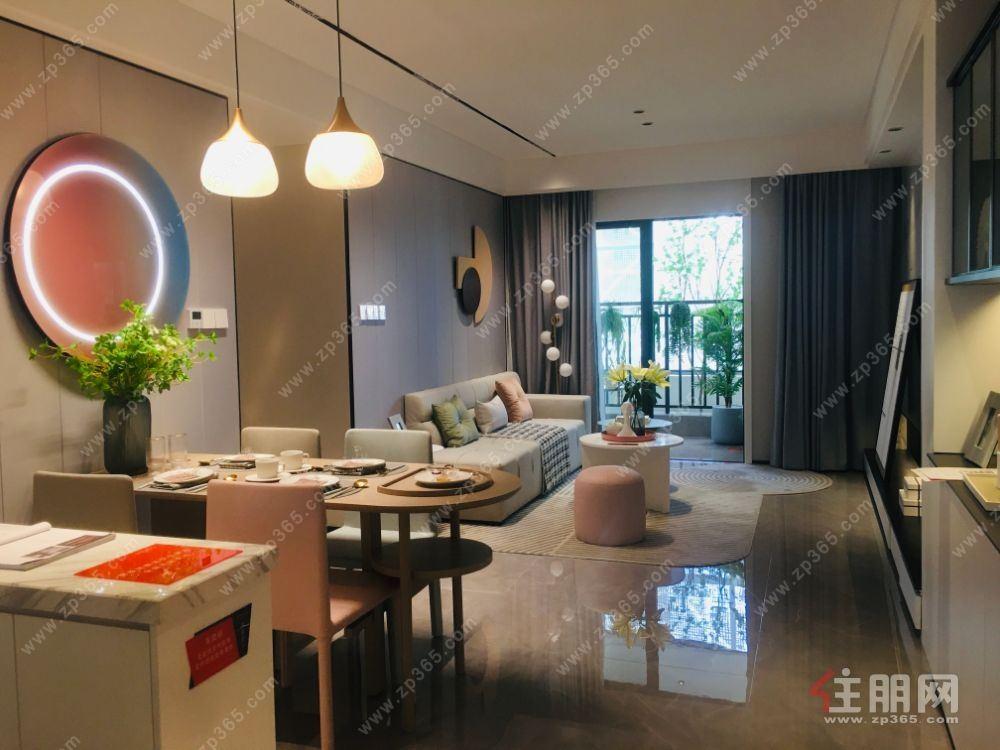 今年底交房 93平宽敞大三房 买房送3年物业费