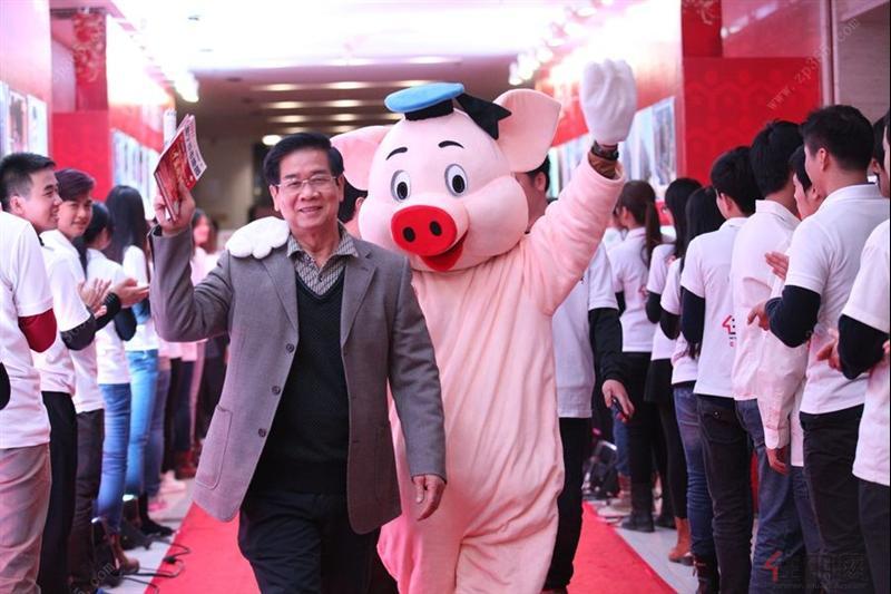 2014年广西地产人节颁奖盛典:走在