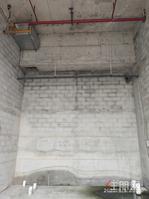 拐角现铺,门宽5.4米,6.9米层高,