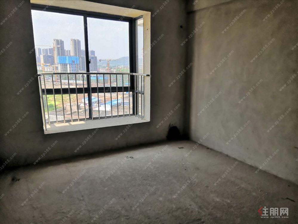 文化广场附近东成雅居电梯三房4200/方