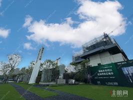 良庆桥南体育中心旁地铁口江景房