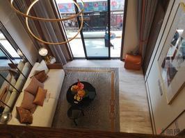 西乡塘地铁口50米低月供低首付 复式公寓