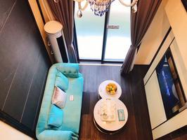 8字头毛坯复式公寓1号线地铁口50米