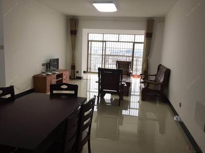 江南区-江南首次出租3房2厅只要压1付1家电齐全业主要求只租给干净人士