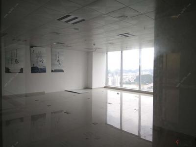 城中区,地.王财富中心 电梯口 正南向 158平 仅租5800元