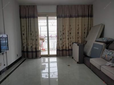 青秀区,精装3房紧急出租,价美物廉,首次出租,家电齐全,拎包入住。