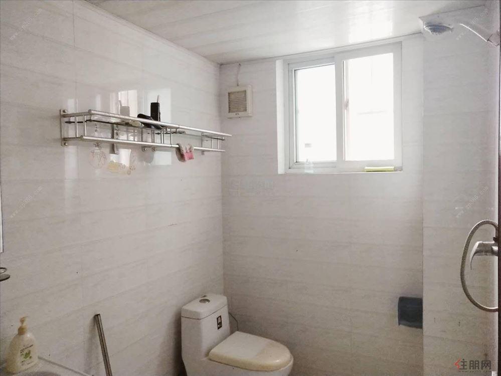 东峰锦绣城 900元 2室2厅1卫 普通装修,没有压力的居住地
