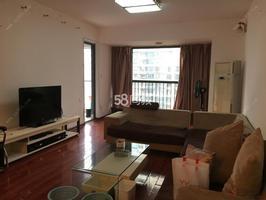 荣和中央公园 3700元 3室2厅2卫 普通装修,全家私电器出租
