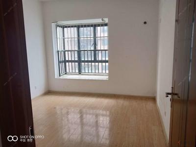 仙葫新区-凤岭南 小区中心 1500 两室 配齐 价在另议