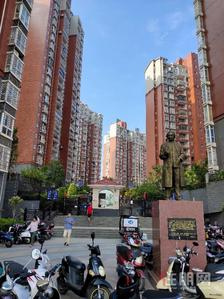 民族大道-琅东地铁口对面精装3房急租2500/月,家具家电齐全、拎包入住、
