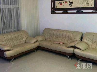 七星区-青秀区凤岭北香格里拉花园3房146平米3800元/月