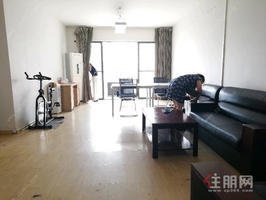 青秀区东葛路长湖景苑3房126平米4000元/月