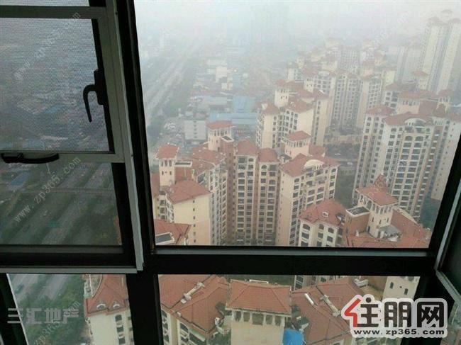 全新装修3房出租,月租2700,卡地亚庄园比较新,30多楼高楼层的