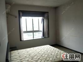 莱茵湖畔,大三房,138平,3500元,家具家电配齐,保养好