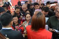 柳州荣和千千树活动图片|迫不及待选房的购房者们