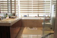 龙光玖珑湖样板间图|253�O样板间主卧洗浴间