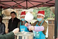 御江帝景活动图片 御江帝景庆元旦圣诞欢乐套鸡送爆米花活动