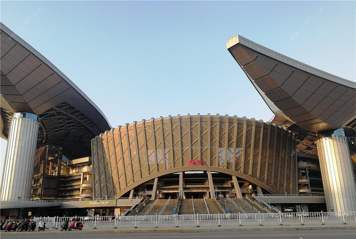 盛邦滨江府周边体育馆