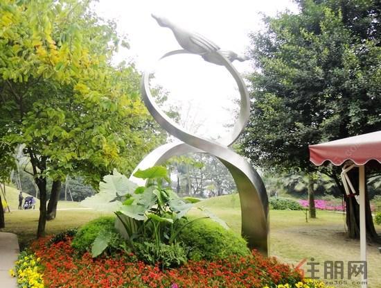独一无二的园林雕塑-合景泰富 以心筑家 我为客户 代言