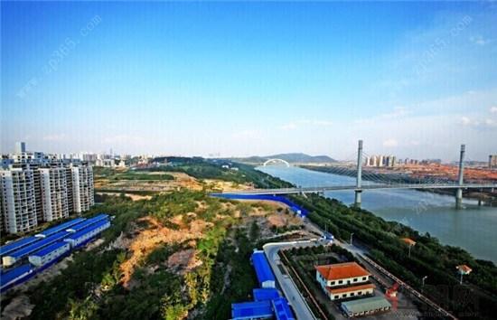 柳沙——南宁城市中心唯一半岛,背靠青山,前揽邕江,拥有着