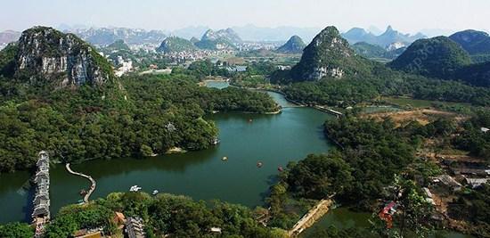 龙潭风景区,白岩山公园,羊角山公园环绕于联发荣君府旁,过五岔路口