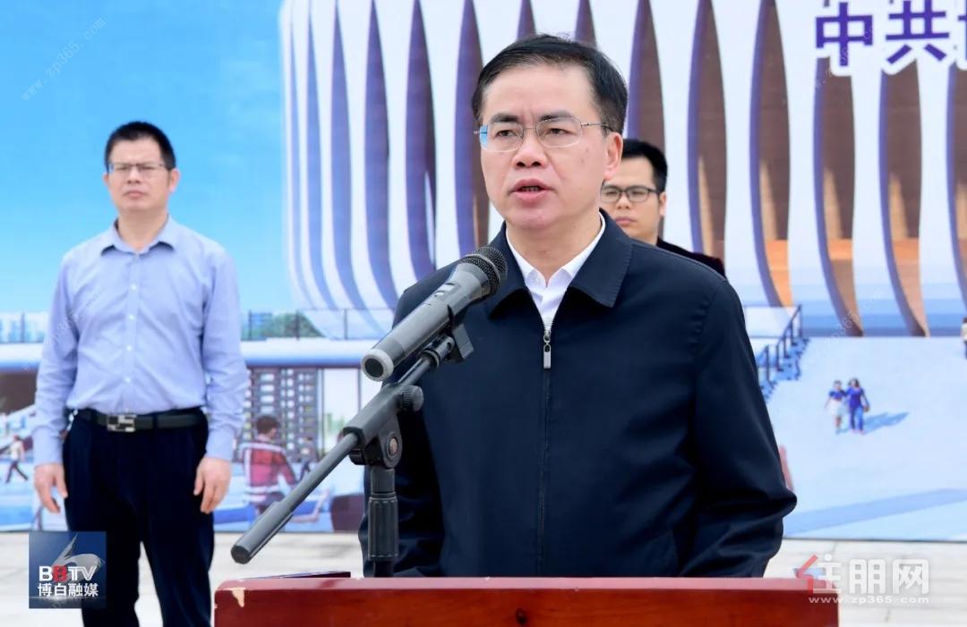 罗宗光宣布:博白县体育馆正式竣工