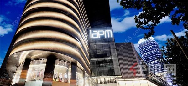 上海**夜行商场.jpg