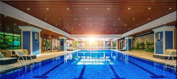 全江南最IN的泳池,加赠1000张门票!使用7-8月,暑期夜场一起FUN!