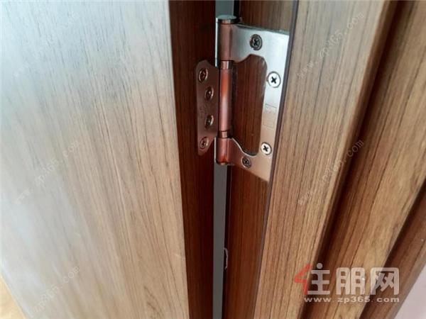 门锁实景.png