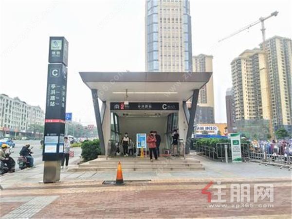 凯旋1号·上水湾在售户型有100-203㎡,均价13500-14000元/㎡;看江16000元/㎡!
