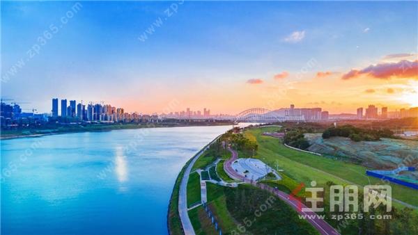 凤岭滨江实拍图.png