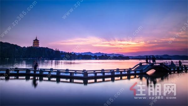 西湖夜景.jpg