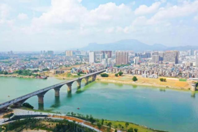 西江大桥江景图