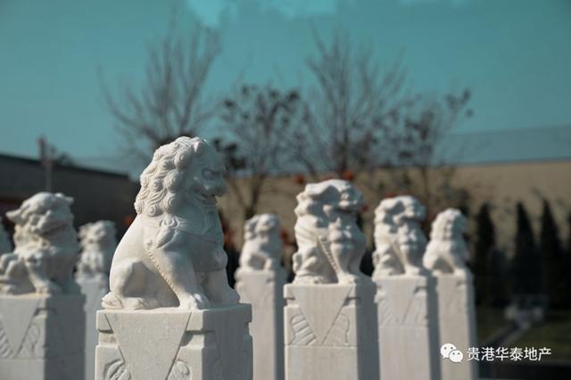 △前庭雕塑