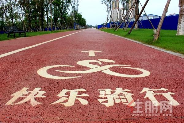 贵港滨江公园骑行道