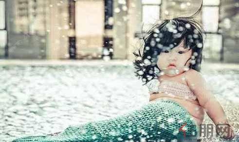 """连香港女星袁咏仪也忍不住po出小美人鱼的照片,并感叹""""太可爱!"""
