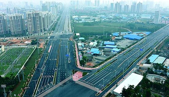 北海市金海岸大道,新世纪大道和南珠大道西半环正式通车