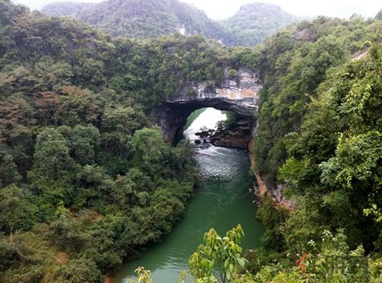 级4a旅游风景区——香桥国家地质公园,周边囊括鹿寨鹿园,清